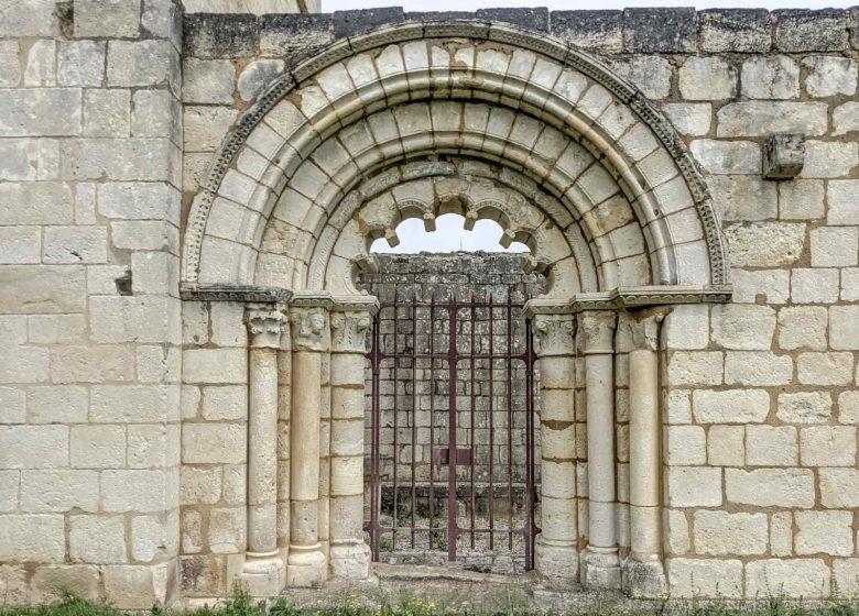 Ruines de la chapelle de Villemartin